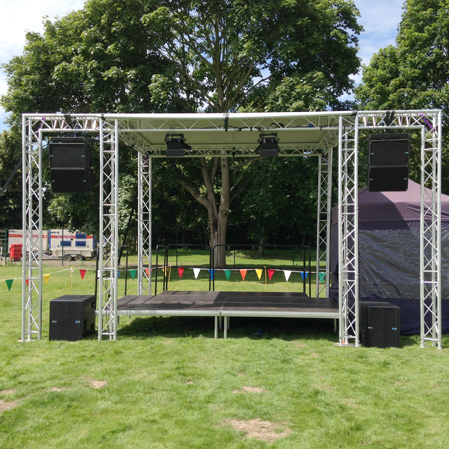 Live Events | Small stage – 4m x 3m covered stage roof with PA wings