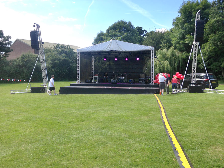 Live Events | Large stage – 8mx6m covered stage roof with line array towers