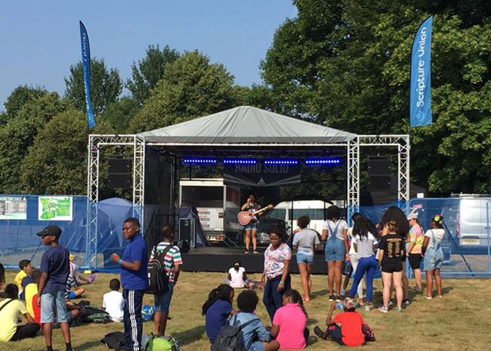 Live Events | Mid stage – 6m x 5m covered stage roof with PA wings
